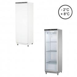 Kühlschränke mit Kunststoff-Innenraum und einem Gehäuse aus Blechstahl